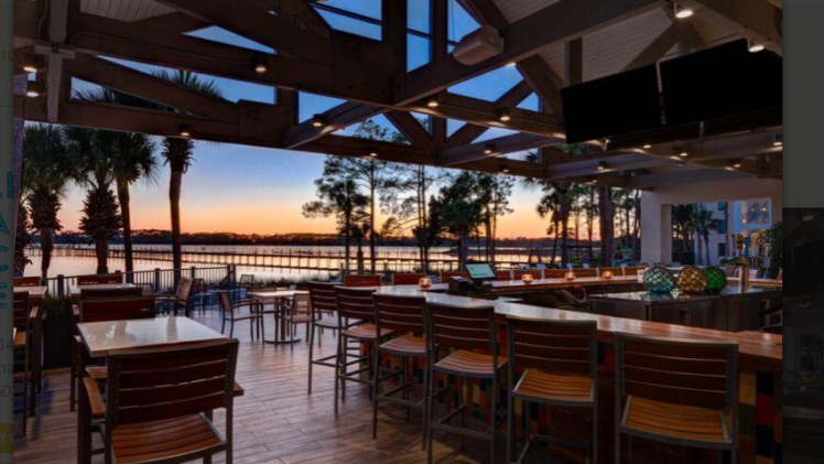 Flip Flops Pool Bar at Sheraton PCB Golf & Spa Resort