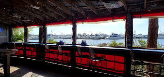 Hammerhead's Bar & Grille